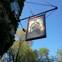 Foto tomada en Guthrie's Tavern por Brian K. el 4/17/2012