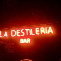 Foto tomada en La Destileria por Danniels N. el 2/4/2012