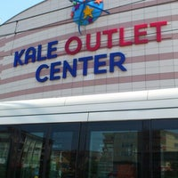 Foto tirada no(a) Kale Outlet Center por Yagmur İ. em 7/13/2012