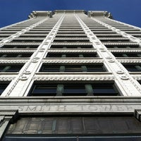 Foto scattata a Smith Tower da Shelley D. il 3/25/2012