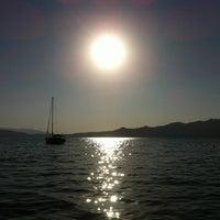 7/21/2012 tarihinde Mert S.ziyaretçi tarafından Erine Beach Club'de çekilen fotoğraf