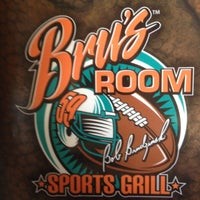 Foto tomada en Bru's Room Sports Grill - Delray Beach por James P. el 2/27/2012
