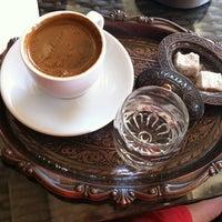 Foto diambil di Mocaco Coffee oleh ezgi🎀 pada 7/17/2012