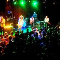 รูปภาพถ่ายที่ Paradise Rock Club โดย Brad K. เมื่อ 6/21/2012