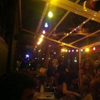 รูปภาพถ่ายที่ Kiki โดย Alpaslan A. เมื่อ 6/9/2012