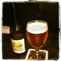 Снимок сделан в Lancers Cocktail Lounge пользователем Jolie N. 4/28/2012
