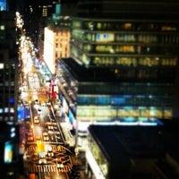 Das Foto wurde bei Renaissance New York Hotel 57 von Susie S. am 6/16/2012 aufgenommen