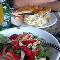 3/17/2012에 Sheila님이 Arcadia Farms Café에서 찍은 사진