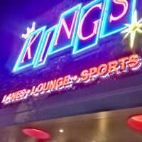 Foto diambil di Kings Dining & Entertainment oleh Brian S. pada 7/24/2012