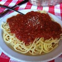 Foto scattata a Antonio's Pizzeria & Italian Restaurant da Paul R. il 7/18/2012