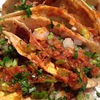Foto tirada no(a) Tacos Charly por BereBog em 7/28/2012