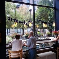 Foto tomada en Cafe Selmarie por Wil S. el 8/26/2012