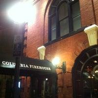 2/29/2012 tarihinde Kristen K.ziyaretçi tarafından Columbia Firehouse'de çekilen fotoğraf