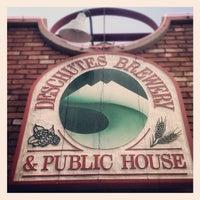 Das Foto wurde bei Deschutes Brewery Bend Public House von Morgin S. am 5/3/2012 aufgenommen