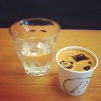 Foto scattata a Ports Coffee & Tea Co. da RenatoNYC .. il 5/30/2012