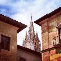 Foto tomada en Catedral San Salvador de Oviedo por Guendanadxi el 7/12/2012