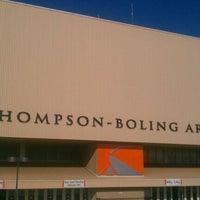 Foto diambil di Thompson-Boling Arena oleh Kendra M. pada 5/17/2012