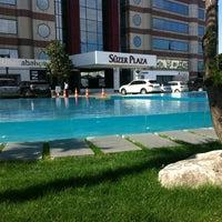 Foto diambil di The Ritz-Carlton Istanbul oleh Osman Emir Bayman pada 4/19/2012