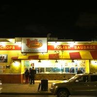 6/18/2012 tarihinde Steven M.ziyaretçi tarafından Jim's Original Hot Dog'de çekilen fotoğraf