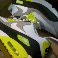 ... Foto tirada no(a) Nike Outlet por Felipe M. em 7 29 5c96f54d8b7cc