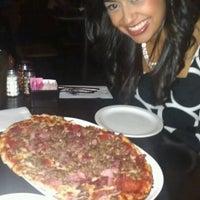 Das Foto wurde bei Campisi's Restaurant - The Egyptian Lounge von Fernando A. am 8/5/2012 aufgenommen