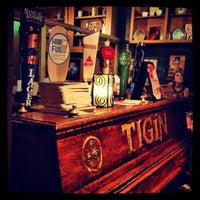Foto tirada no(a) Tigin Irish Pub por Dan S. em 9/8/2012