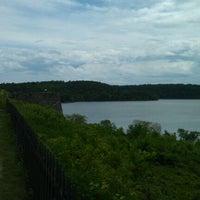 Foto tirada no(a) Fort Ticonderoga por Wesley K. em 5/21/2012