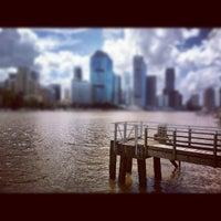 Das Foto wurde bei Riverlife von Grant V. am 2/27/2012 aufgenommen