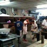 Photo prise au Antico Pizza Napoletana par Shane M. le8/4/2012