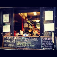Снимок сделан в Num Pang Sandwich Shop пользователем kristy b. 7/16/2012