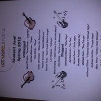 รูปภาพถ่ายที่ KJ Farrell's Bar & Grill โดย Brett T. เมื่อ 4/28/2012