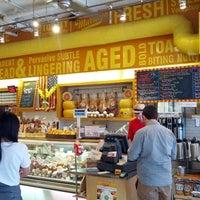 Das Foto wurde bei Murray's Cheese von Ryan W. am 8/17/2012 aufgenommen