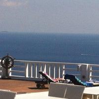 Foto tirada no(a) Kivo Art Hotel & Suites Skiathos por Antonios M. em 9/5/2012