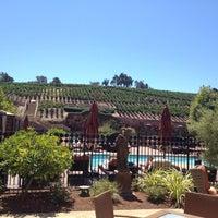 Foto tomada en Meritage Resort and Spa por Kinsie F. el 8/17/2012
