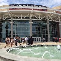 Foto tomada en Colonial Life Arena por Paul R. el 5/4/2012