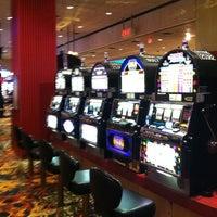 Das Foto wurde bei Bally's Casino & Hotel von Gina S. am 7/9/2012 aufgenommen