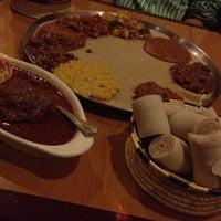 Das Foto wurde bei Lalibela Ethiopian Restaurant von Rohit K. am 4/22/2012 aufgenommen