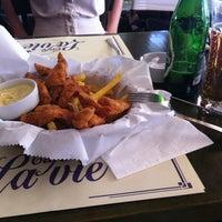 6/25/2012 tarihinde Ezgi T.ziyaretçi tarafından Cafe La Vie'de çekilen fotoğraf
