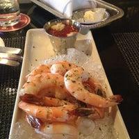 รูปภาพถ่ายที่ Pappadeaux Seafood Kitchen โดย Chrysa F. เมื่อ 7/3/2012