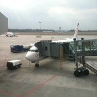 Снимок сделан в Gate 41 пользователем Andrey O. 3/22/2012