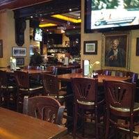 Foto diambil di The Irish Pub oleh Veridiana M. pada 3/8/2012