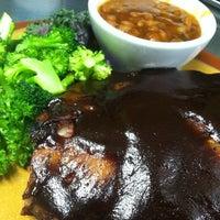 Foto diambil di Timberloft Restaurant oleh Leah J. pada 2/23/2012