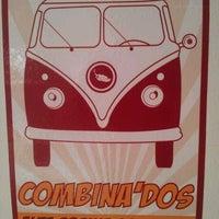 Das Foto wurde bei COMBInados, Tacos, cortes y + von Irving C. am 6/30/2012 aufgenommen