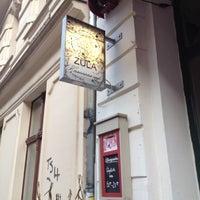 3/17/2012 tarihinde Maciej Z.ziyaretçi tarafından Zula Hummus Café'de çekilen fotoğraf