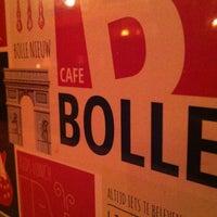 Foto tomada en Café Bolle por meek m. el 5/5/2012