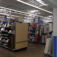 Снимок сделан в Walmart Supercenter пользователем Andrew J. 8/31/2012