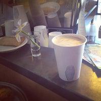 7/21/2012에 Jori L.님이 Grand Coffee에서 찍은 사진