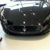 Das Foto wurde bei Maserati of Manhattan von Jovis D. am 6/14/2012 aufgenommen