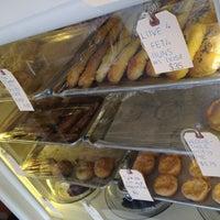 7/21/2012 tarihinde Nicholas D.ziyaretçi tarafından Bedford Baking Studio'de çekilen fotoğraf