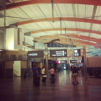 Foto tirada no(a) Raleigh-Durham International Airport (RDU) por Manuel M. em 8/15/2012